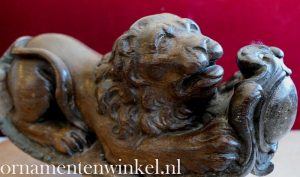 Helmhout leeuw 17e eeuw
